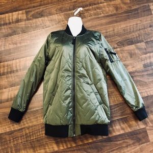 Hollister NWOT Long Quilted Olive Green Jacket